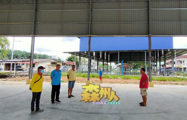 乡委会将会在日后把有盖篮球场和民众会堂之间的篱笆拆除,两座建筑物对接,届时范围更大。