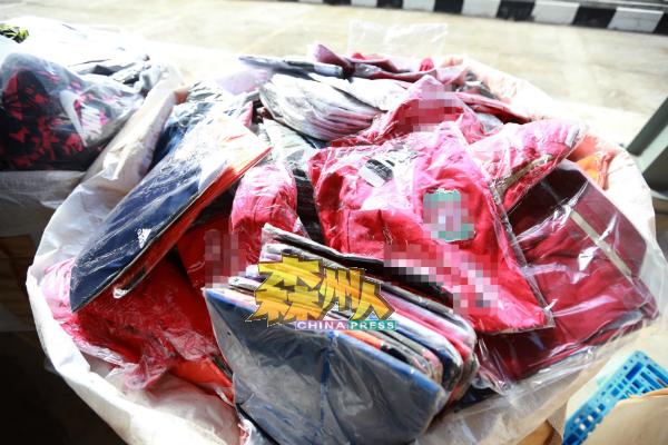 著名品牌的球衣、球鞋、女性著名品牌包包都是造假商喜爱制造的赝品,吸引消费者上勾。