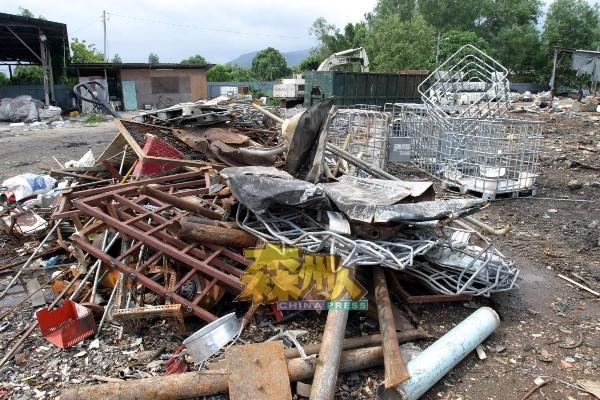 州政府重新开放废铁回收执照供申请,设下的条件是回收商必须在工业区内操作,否则不获批出执照。