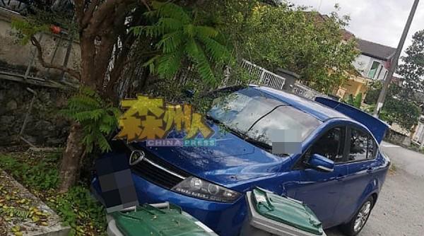 """吴欣强的轿车上午发现被窃,中午又""""重现"""",车身却出现毁损。"""
