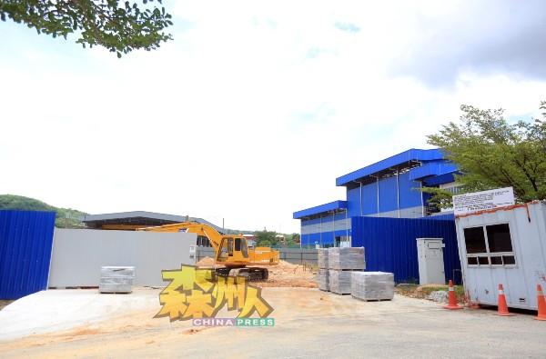 媒体前往建议兴建焚火炉及废料回收厂计划地点,发现并非仅是空地,而是已在展开基本工程。