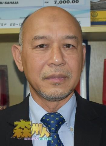 拉惹诺拉兹里透露,仁保市议会1名职员确诊,即日起关闭三天进行消毒工作。
