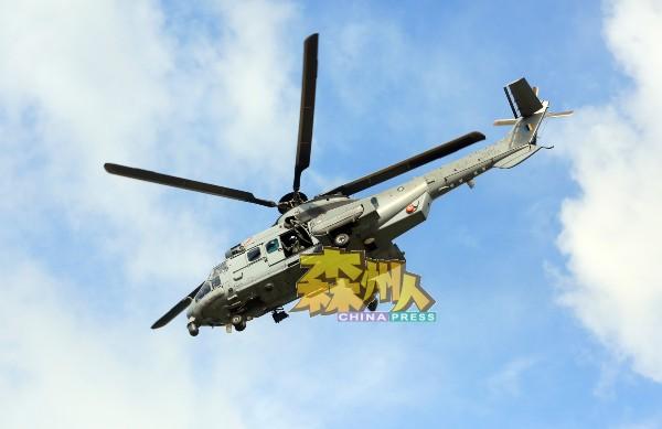 精湛军事配备之一-军事直升机绝不可少。