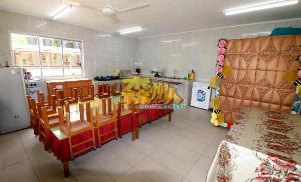 三民小学董事部早前耗资7万令吉在特殊教育部旁空地,搭建一间厨房。